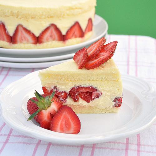 Fraisier French birthday cake