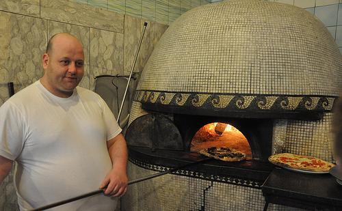 Working the Pizza Oven at Trinon da Ciro