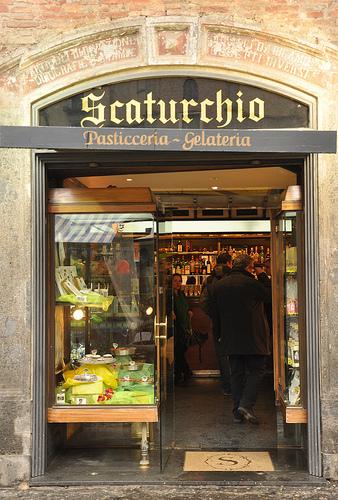 Scaturchio Pasticceria in Naples