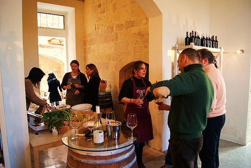 Puglia wine tasting
