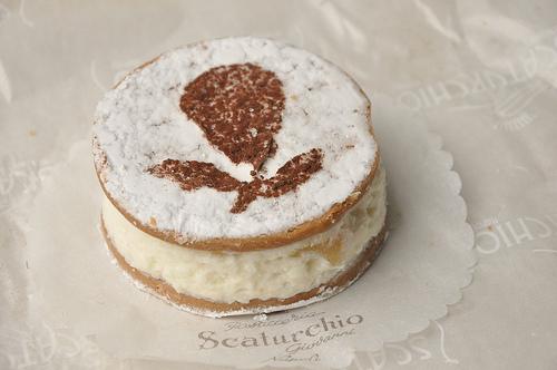 Ricotta e Pera pastry from Naples