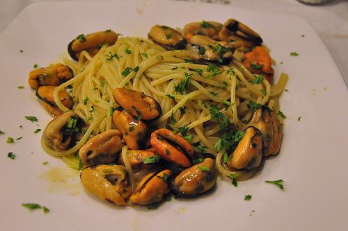Spaghetti con le Cozze - Spaghetti with Mussels in Naples