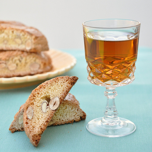 Cantucci and vin santo