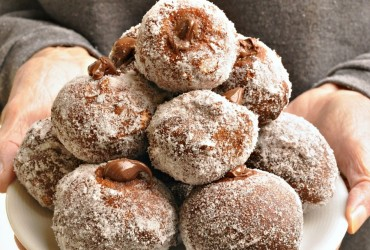 Venetian Carnival fritters with Nutella