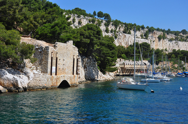 Calanques boat tour in Provence