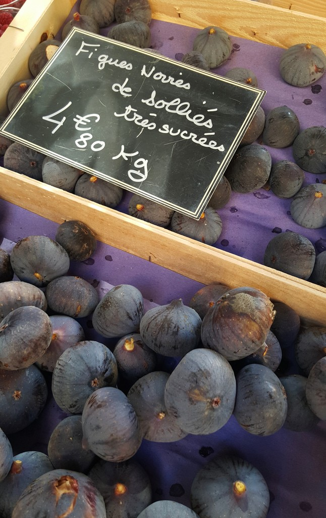 Figs at the market in Provence